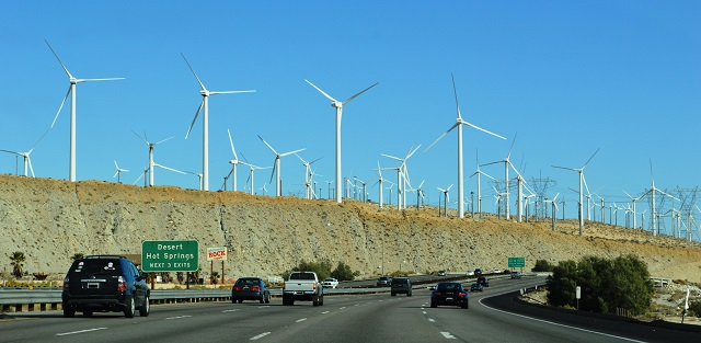 San_Gorgonio_Pass_Wind_Farm_03.jpg
