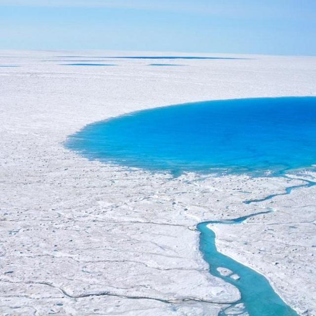 gr1_LAURA STEVENS, WOODS HOLE OCEANOGRAPHIC INSTITUTION.jpg
