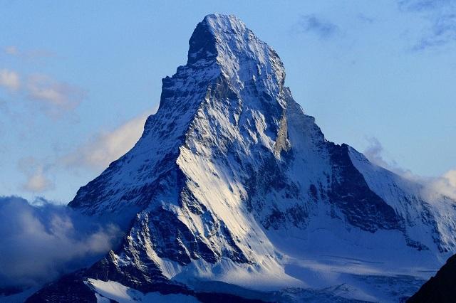 1280px-Matterhorn_from_Domhütte_-_s.jpg