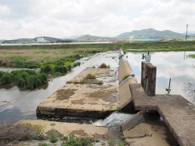 hb5_동진강 지류 정읍천의 보.jpg