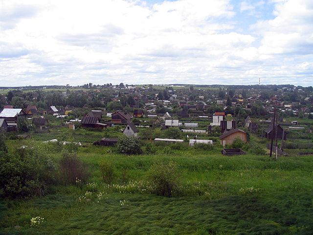 640px-Dachas_outside_Kirov.jpg