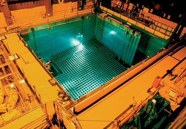 pyro4_NRC_San_Onofre_Nuclear_Generating_Station_spent_fuel_pool,_2014.jpg