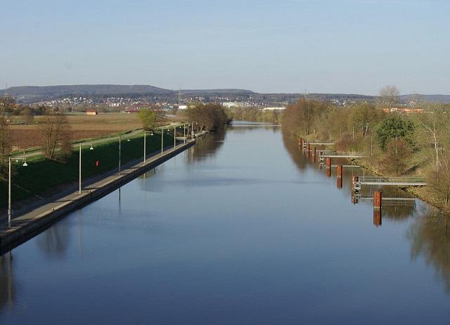 r2_Janericloebe _1280px-Hausen_Main-Donau-Kanal_001.jpg