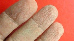 _65161666_fingers.jpg