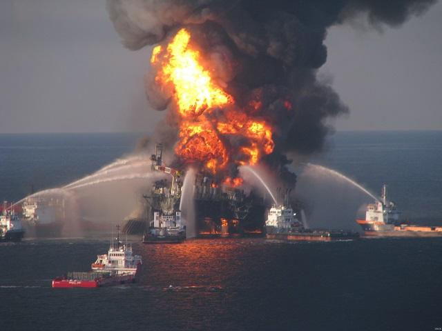 2_[사진2] Deepwater_Horizon_fire.jpg